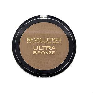 🆕 Revolution Bronzer